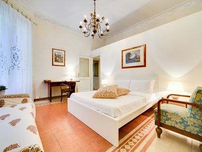 Photo for Spacious and Elegant 2 Bed Apt near Colosseum