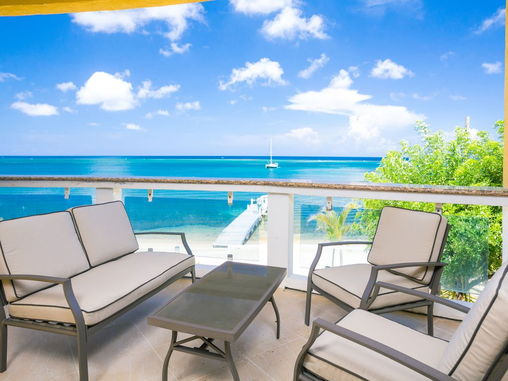 2nd Floor 3br Condo On The Beach W Pool Kayaks Private Dock Large Balcony