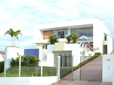 Photo for Beautiful and big private house with swimming pool in Girardot city