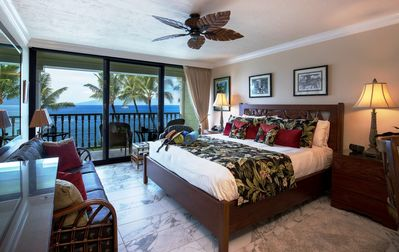 Photo for WALK 2 BLKS TO LAHAINA TOWN & HARBOR!  Elegant Lahaina Shores Oceanfront Studio!