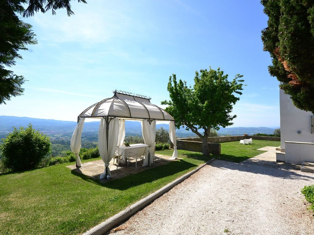 Avane Luxury Villa With Pool And Lots Of Privacy Near Florence  # Table De Jardin Arezzo