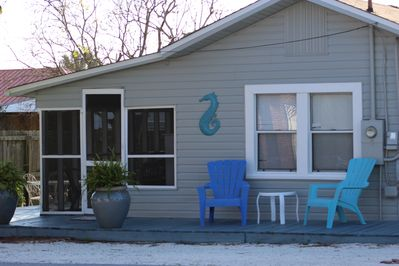 Cozy vintage cottage within walking distance to beach.