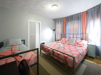 Photo for King and twin bed  4mi to Downtown•BCEC•FreePk• steps to T