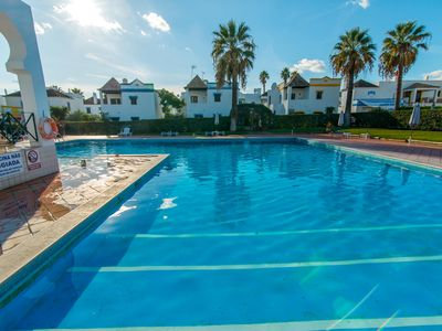 Photo for Quinta Velha Village Apartment T0 with pool and AC