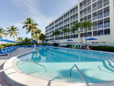 Photo for Apartment Gulf Resort in Fort Myers Beach - 6 persons, 2 bedrooms