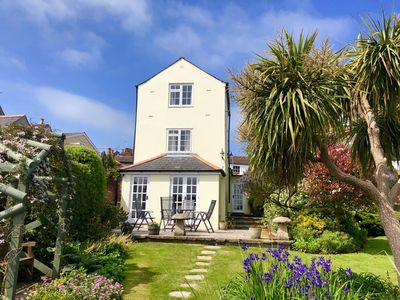 Photo for Wonderful 3 Bed Georgian Cottage in West Cowes, with superb views of the Solent.