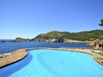 Photo for 3 bedroom Apartment, sleeps 5 with Pool and Air Con