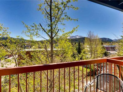 Photo for Downtown location near hiking trails, dining, outdoor pool & ht, fitness room