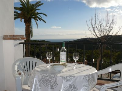 Photo for Frigiliana: Charming flat with view over the Med and the surrounding mountains - 4 pers