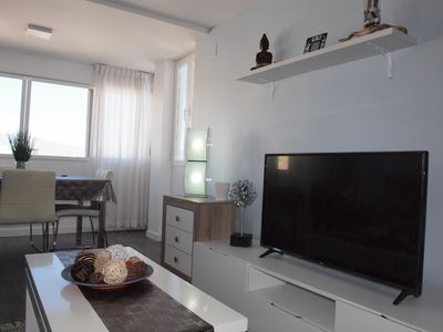 Photo for Cozy, modern 2 beds apartment