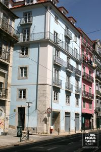 Photo for BAIRRO ALTO / BICA - Apartment with air conditioning and lift. Up to 3 pax + baby