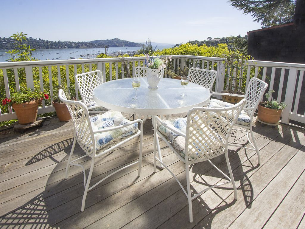 Historic sausalito mermaid house with gor vrbo historic sausalito mermaid house with gorgeous water views geotapseo Image collections
