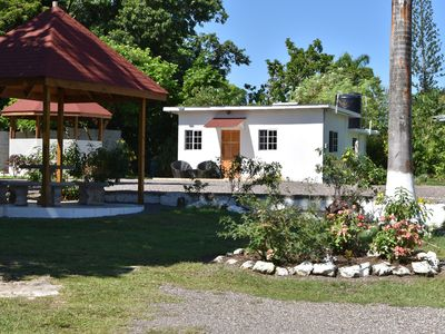The Cottage very comfortable, relaxing also secure, 5 minutes walk from beach