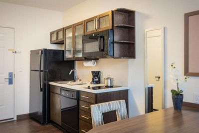 Stylish unit t is ready to be booked!
