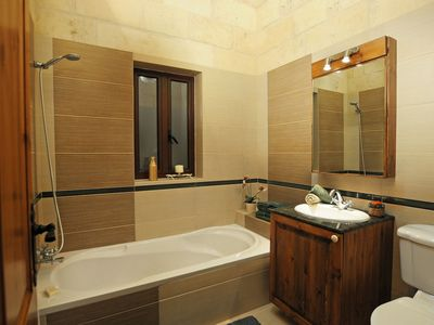 """Photo for Farfett B&B - Rest and Zest - """"Green Leaf"""" Room - Double whit shared bathroom"""