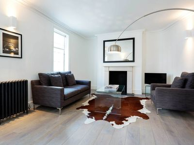 Photo for 3 minute walk to Victoria Station! 3 bed home in Belgravia, sleeps 6 - (Veeve)