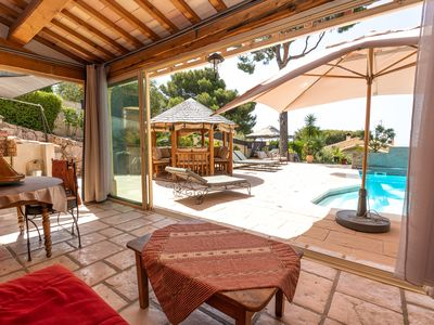Photo for Renting a superb sea view bungalow with private pool in Cassis
