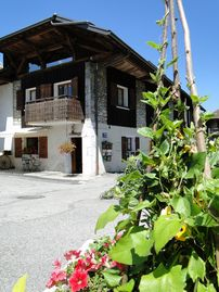 typical Savoyard house with halet and spa for 4/5 people