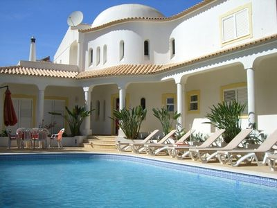 Photo for Spacious villa w/ pool, 5 walking minutes to the beach, free internet access!