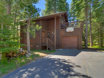 Photo for Knobcone: 3  BR, 2  BA Cabin / Bungalow in Homewood, Sleeps 8