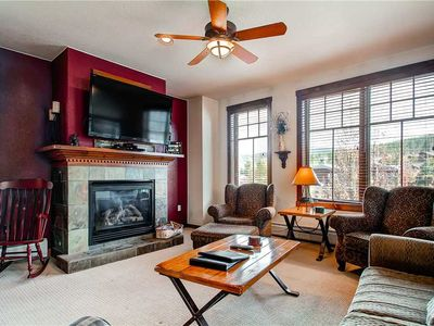 Photo for Mountain View, Outdoor Pool & Hot Tubs, Close to shopping & dining & ski lift