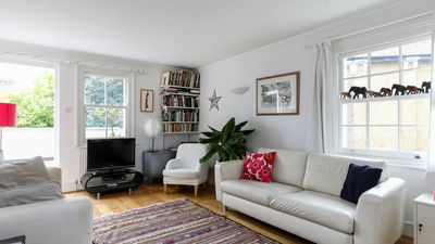 Photo for Generous Georgian style 2BR in Camberwell
