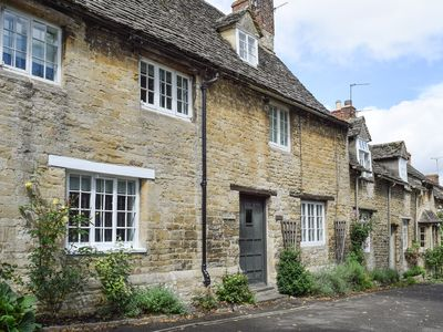 Photo for 2 bedroom accommodation in Burford