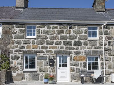 Photo for Brook Cottage, CRICCIETH
