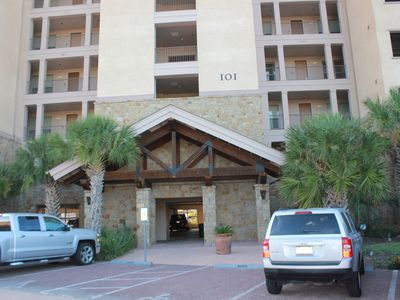 Photo for Escape to the Waters in Horse Shoe Bay! Luxurious lake front condo with balcony