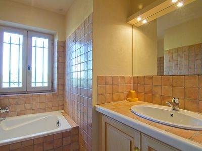 Photo for Vacation home L'Oustaou dei Figo in Cucuron - 9 persons, 4 bedrooms