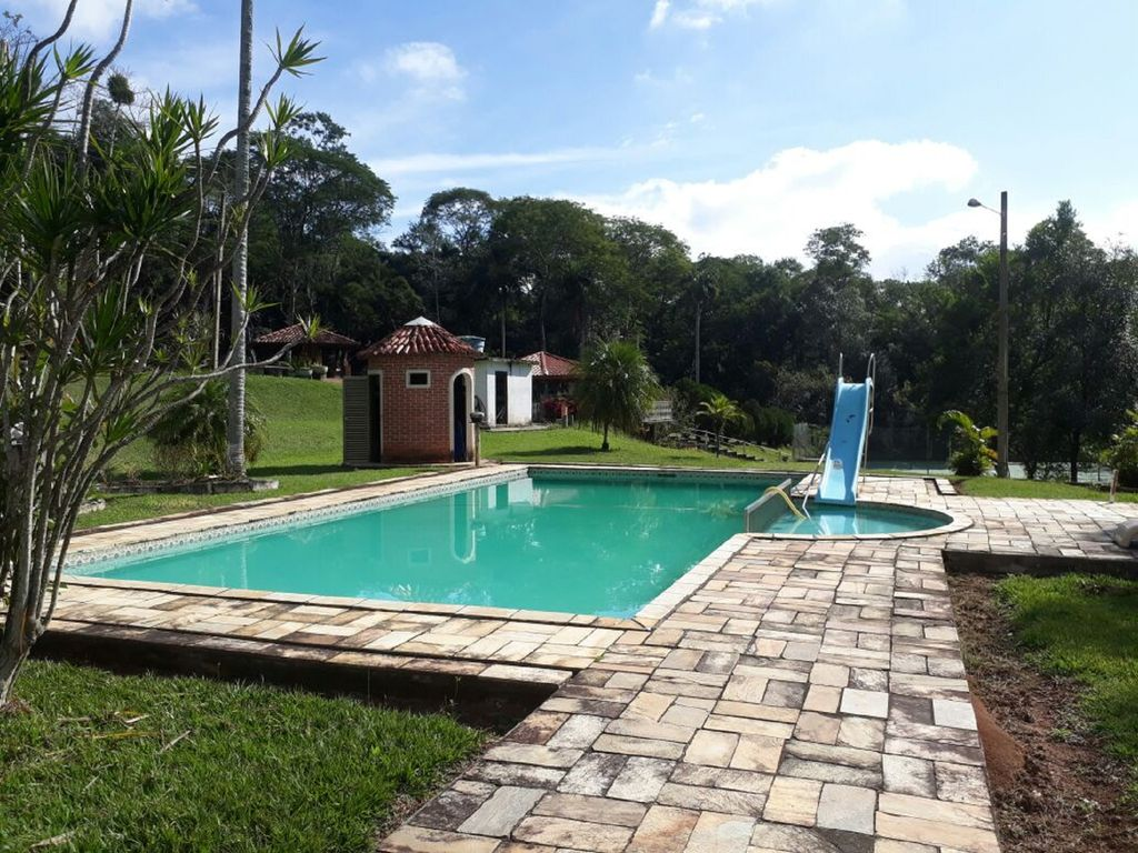 New Year 39 S Eve 6000 Zen 39 S Place Leisure Family Events Very Green Swimming Pool Court Churr
