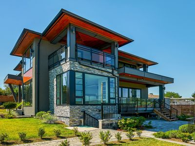 Photo for The Chateau - New, Modern & Luxurious 5BR house