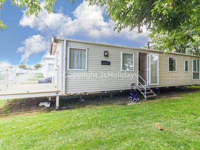 Photo for 8 berth caravan for hire with decking on Skipsea Sands holiday park ref 41197WF