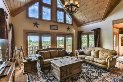 Rare 5 bedroom lodge with stunning mountain views.