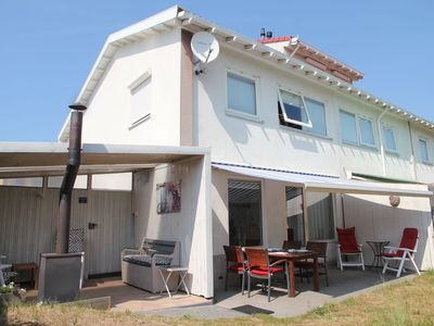 Photo for Cosy holiday home with sauna by the dunes near the sea and beautiful dune garden