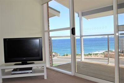 Neptune Port Elliot Accommodation by Encounter Holiday Rentals.  Sea Views