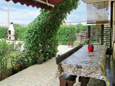 Photo for Lovely apartment for 6 guests with A/C, WIFI, TV, balcony, pets allowed and parking
