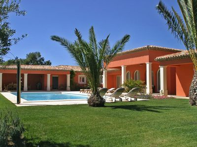 Photo for Beautiful private villa for 8 people with private pool, WIFI, TV, pets allowed and parking