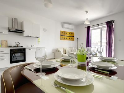 Photo for Off the beach St Pauls 2bd Apartment