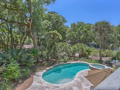 Photo for Charming 4 Bedroom   4th Row from Beach in Sea Pines