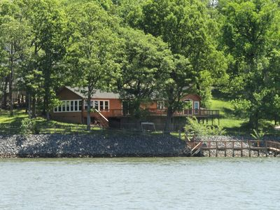 Photo for Lakefront Cabin on main channel!
