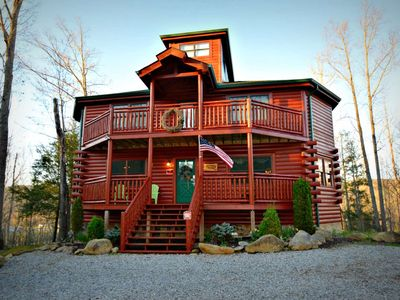 Perfect Family Getaway! Private Indoor Pool  Theater Room   Pool Table    Hot Tub!!! 3 Bedroom Cabin In Cosby, TN