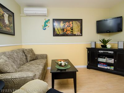 Photo for Oceanview with quality amenities/Clean/Quiet/AC/Cable/Free calls, WiFi & Parking