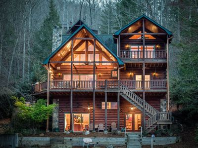Enjoy the peaceful waters of Blue Ridge Lake at this luxury 4BR 3BA Lakefront Cabin