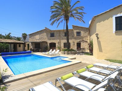 Photo for Catalunya Casas: Villa Grande Xica for up to 8 guests, just 6km to the beaches of Mallorca!
