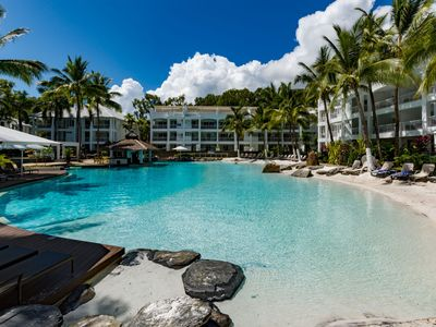 Photo for Oasis Beach Club 3322 - Waterfront Resort Spacious 2 Bedroom Apartment Sleeps Up To 6