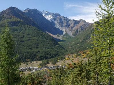 Photo for Quiet and pretty view in the heart of the Ecrins.