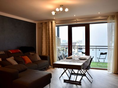 Photo for Artistic 1 Bedroom Apartment With Balcony IFSC