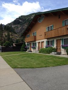Photo for Family Friendly; Dog Friendly(small), Easy Walk To Downtown Leavenworth