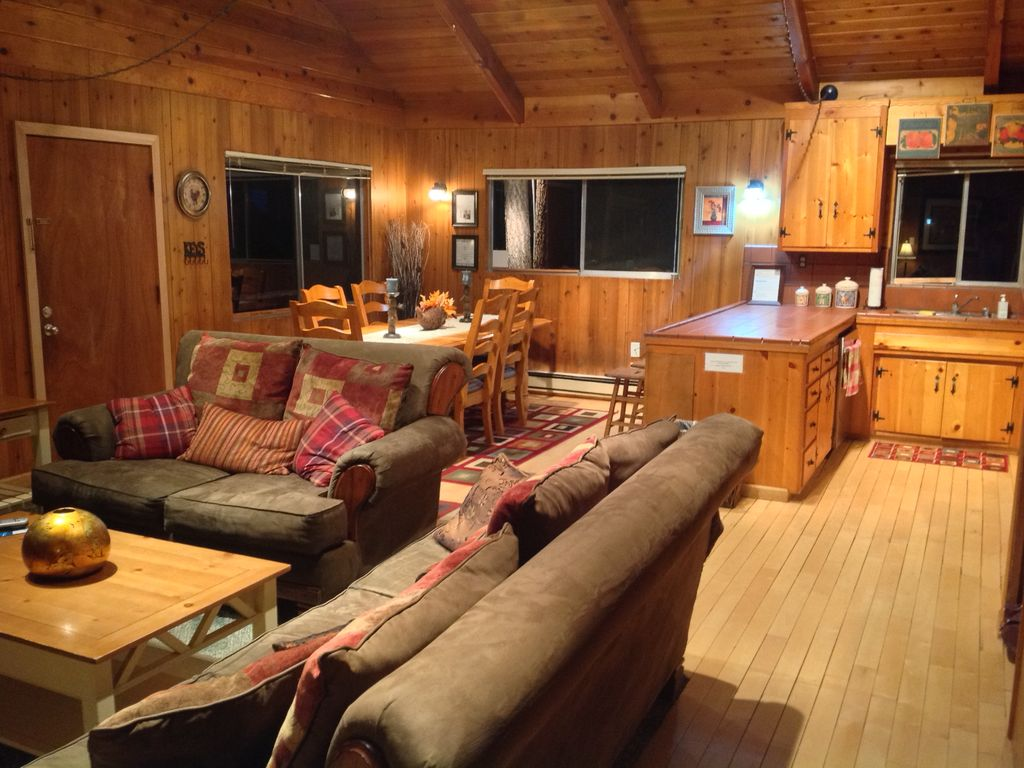 Charming cabin in south lake tahoe by heave vrbo for South lake tahoe cabins near casinos